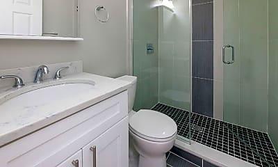 Bathroom, 1614 N Cleveland Ave, 1