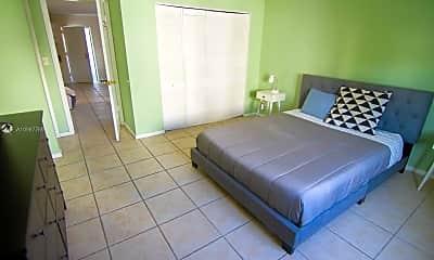 Living Room, 753 Michigan Ave 2D, 0