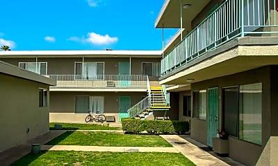 Courtyard, Buena Capri Apartments, 1