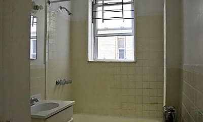 Bathroom, 17 Summit Street Apartments, 2