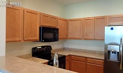 Kitchen, 7156 Yampa River Heights, 1