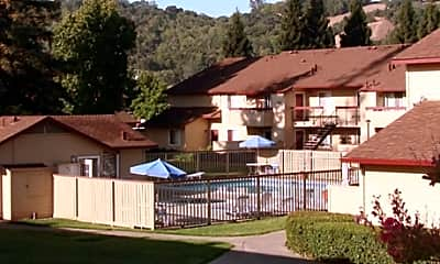 Creekside Park Apartments, 1