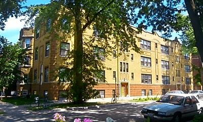 Building, 2616 W Gunnison St, 1