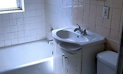 Bathroom, 212 S Oak Park Ave, 2