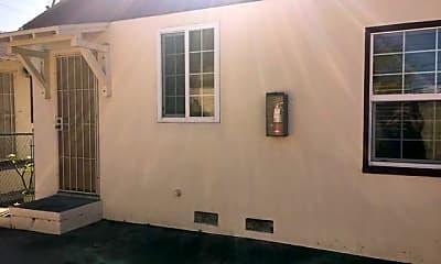 Building, 4335 Bancroft St, 2