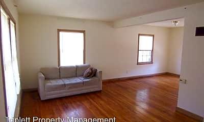Living Room, 914 Grand Ave, 1