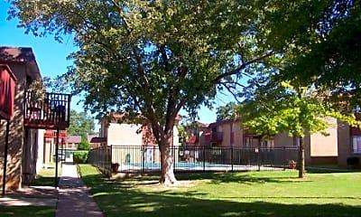 Summer Oaks, 2
