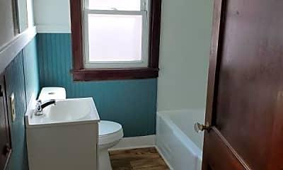 Bathroom, 2726 W Wyoming St, 1