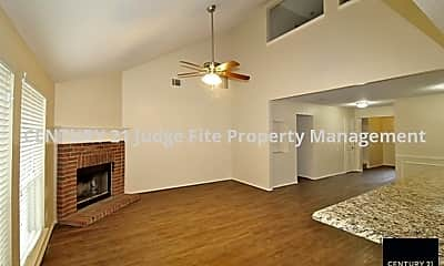 Living Area, 3449 Oxford Street, 2