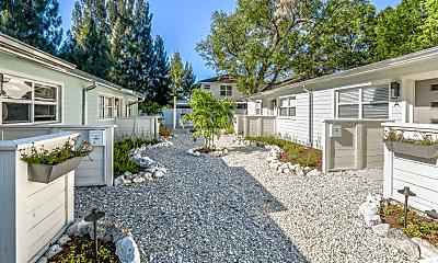 Building, 3102 W San Juan St, 2