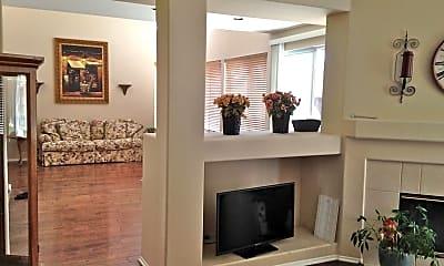 Living Room, 45149 Via Quivera, 2