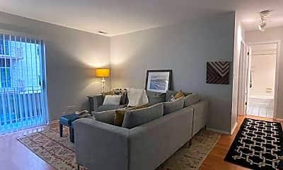 Living Room, 1005 Des Plaines Ave, 1