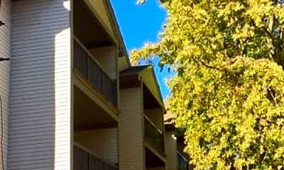 Building, 505 E Stoughton St, 0