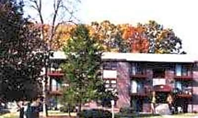 Spruce Knoll Apartments, 0