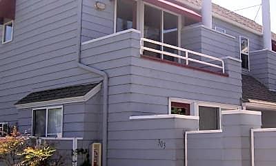 Building, 303 D Ave, 1