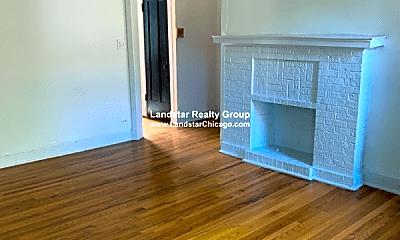 Living Room, 3049 W Gunnison St, 1