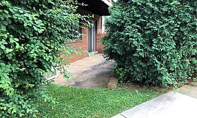 Oak Ridge Apartments, 2