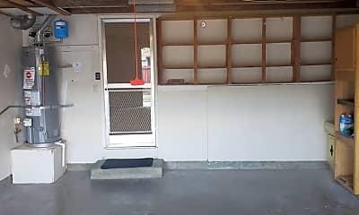 Building, 261 Berryessa Dr, 1