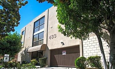 Building, 433 N Louise St, 1