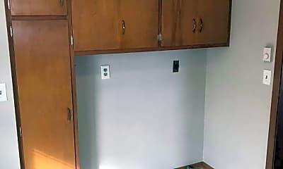 Living Room, 2606 Hancock St, 2