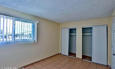 Living Room, 819 S Stapley Dr, 2