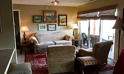 Living Room, 6220 Martway St, 1