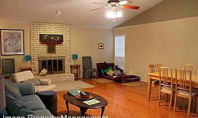 Living Room, 7207 Towering Oaks Dr, 1