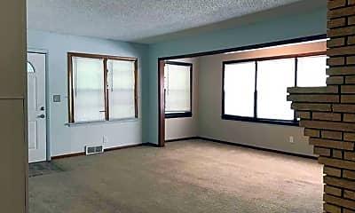 Living Room, 9024 Walnut St, 1