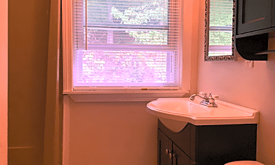 Bathroom, 118 Cortland Cir, 2