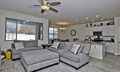 Living Room, 2254 E University Dr, 1