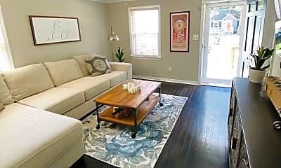 Living Room, 1413 Mohawk Ave, 1