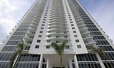 Building, 22 Skyview, 1