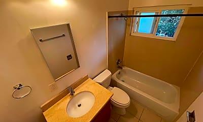 Bathroom, 1535 Julia St, 2