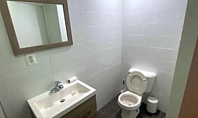 Bathroom, 213 Taaffe Pl, 0