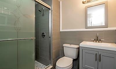 Bathroom, 5427 Sansom St 1, 2