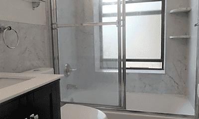 Bathroom, 556 W 126th St, 2