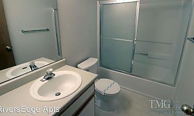 Bathroom, 1451 N Goerig St, 2