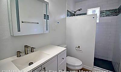 Bathroom, 143 Kanawka St, 2