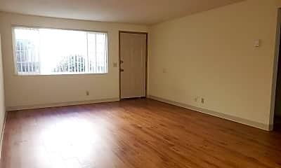 Living Room, 2675 Oak St, 1