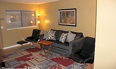 Living Room, 129 E Parkview Ave, 0