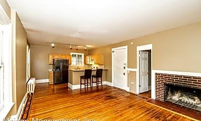 Living Room, 595 University Ave, 0