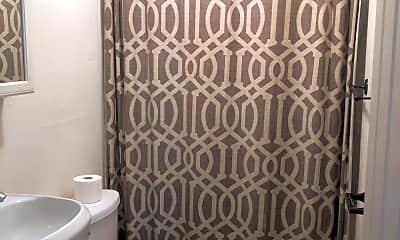 Bathroom, 4604 Illinois Ave, 2