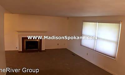 Bedroom, 6027 N Fleming St, 1