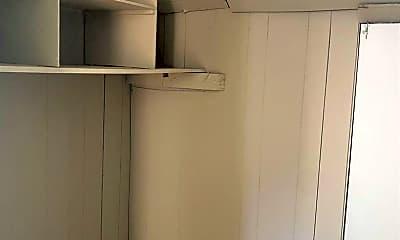 Bathroom, 753 Walnut St, 2