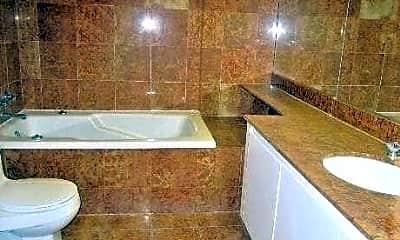 Bathroom, 100 Cutter Mill Rd 4F, 2