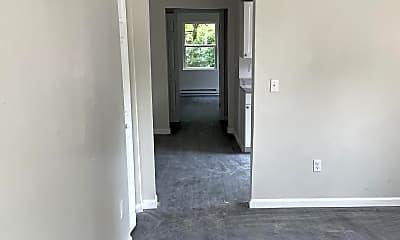 Living Room, 1607 Summit Rd, 2