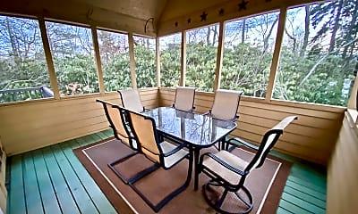 Patio / Deck, 137 Conifer Ln, 1
