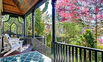 Patio / Deck, 25 Willow St, 1