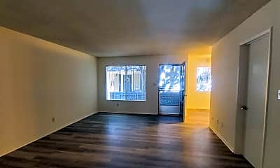 Living Room, 121 E Live Oak St, 1