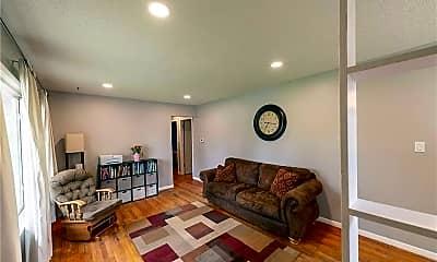 Living Room, 2761 Skeies Dr, 1